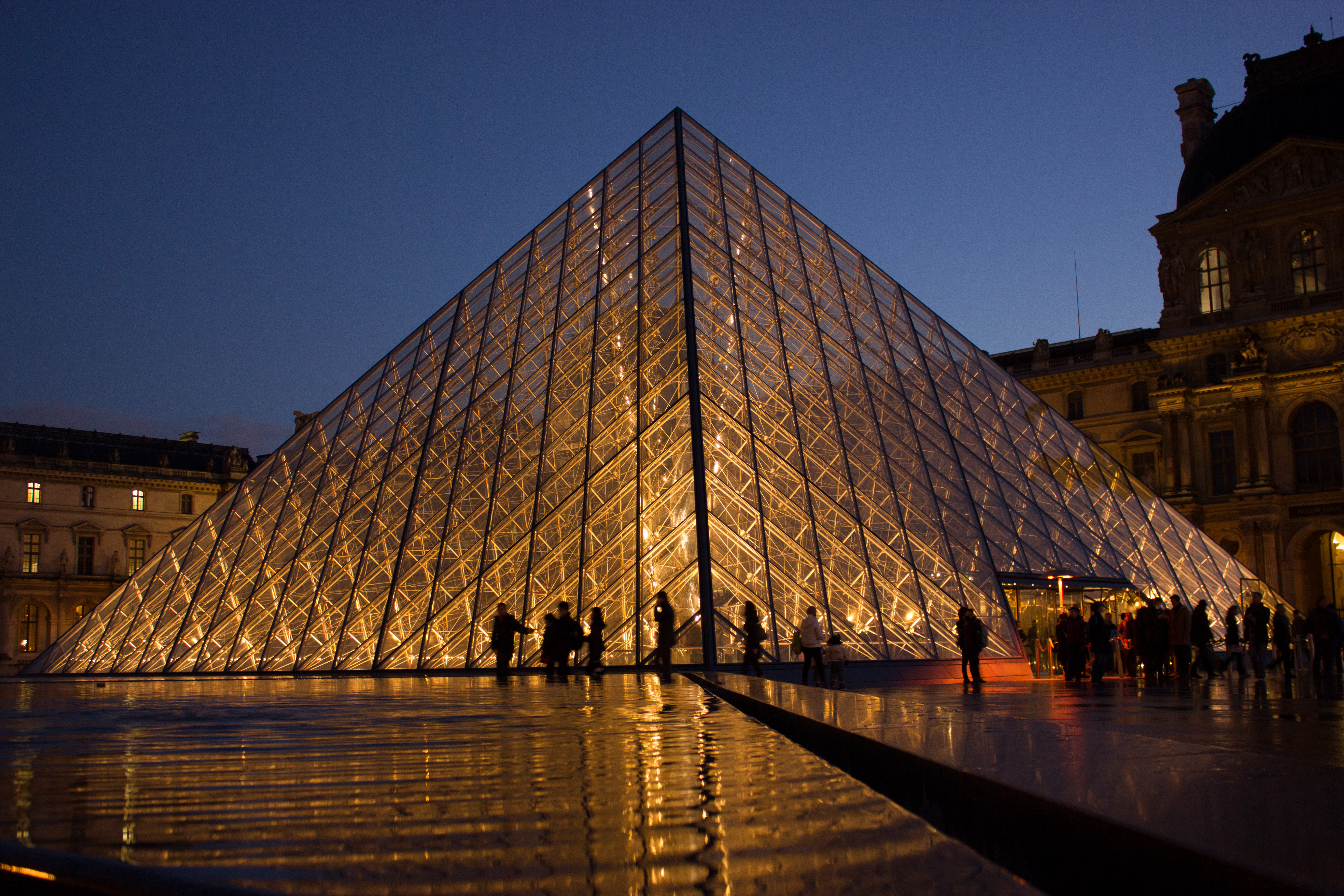 8592a47aa6d2 Know Activities Paris – Explore Paris with Pickyourtrail Guides!
